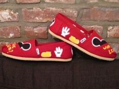 MickeyGlovesShoes